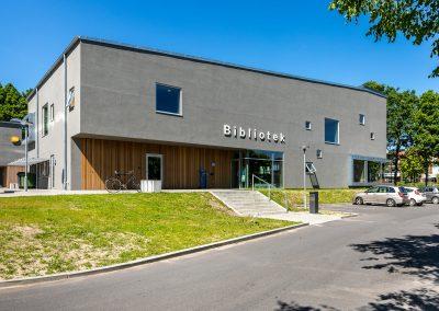 Bibliotek og ungdomshus
